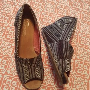3 for $10 Toms Wedges